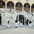 Célébration de la Fête-Dieu dans la cour d'honneur du palais princier à Monaco le 4 juin 2015. En l'absence du prince Albert, en déplacement à Marseille pour un sommet sur le réchauffement climatique, la princesse Charlene de Monaco assistait depuis la galerie d'Hercule à la messe conduite par Mgr Barsi et le père Penzo ainsi qu'à la procession des pénitents.