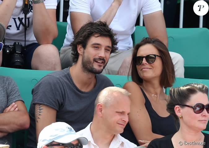 Laure manaudou et son compagnon j r my fr rot lors de la finale masculine des internationaux de - Compagnon de laure manaudou ...