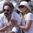 Emmanuelle Béart et son compagnon Frédéric lors de la finale homme de Roland-Garros à Paris le 7 juin 2015