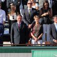 Fleur Pellerin, François Rebsamen, Thierry Braillard, Simonetta Sommaruga, Manuel Valls et Anne Hidalgo dans les tribunes de Roland-Garros lors de la finale homme, le 7 juin 2015 à Paris