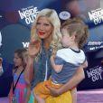 """Tori Spelling et son fils Finn - Avant-première du film """"Inside Out"""" à Hollywood, le 8 juin 2015"""