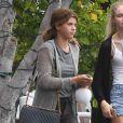 Sofia Richie (la petite soeur de Nicole Richie) et son petit-ami Jake Andrews sont allés déjeuner avec des amis chez Fred Segal à West Hollywood, le 9 juin 2015