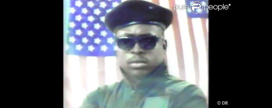 MC Supreme dans son clip Black in America en 1990. Le rappeur est mort dans un accident de voiture à Malibu samedi 12 juin 2015.
