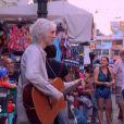 Louis Bertignac dans les rues de Bangkok dans le cadre de l'émission  A la roots . Diffusée sur RTL9, le dimanche 21 juin à 19h30.