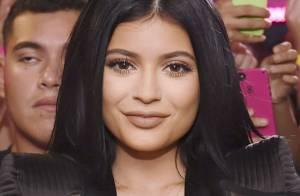 Kylie Jenner et son décolleté vertigineux à Miami : Trop hot pour 17 ans ?