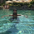 Thomas Vergara profite du soleil dans une sompteuse piscine. Nabilla, de son côté, a posté une photo d'elle en bikini, à Monaco. Les deux amants s'y sont peut-être retrouvés. Juin 2015.