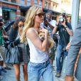 Jennifer Lawrence et son adorable chien Pippi dans les rues de New York, le 24 juin 2015