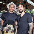 Russell Westbrook et guest - People au défilé de mode masculine Givenchy PAP Printemps / été 2016 à la Halle aux Chevaux à Paris le 26 juin 2015.