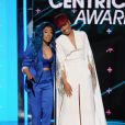 Keyshia Cole et Monica lors des BET Awards 2015 au Microsoft Theater. Los Angeles, le 28 juin 2015.