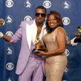 Kanye West et sa mère Donda West lors des 48e Grammy Awards à Los Angeles. Le 8 février 2015.