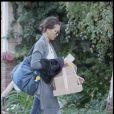 Jessica Alba se rend chez des amis avec son mari et sa fille