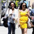 Les jumelles Tia et Tamera Mowry dans les rues d'Hollywood le 7 avril 2010