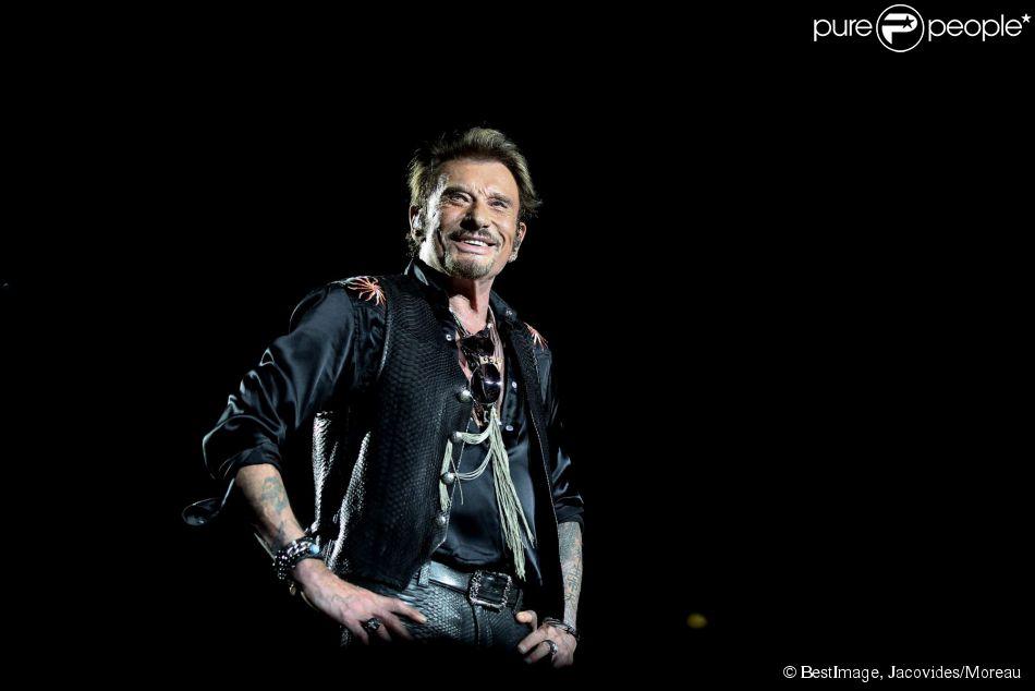 Exclusif - Johnny Hallyday sur scène lors de son premier concert, à Nîmes le 2 juillet 2015.02/07/2015 - Nîmes