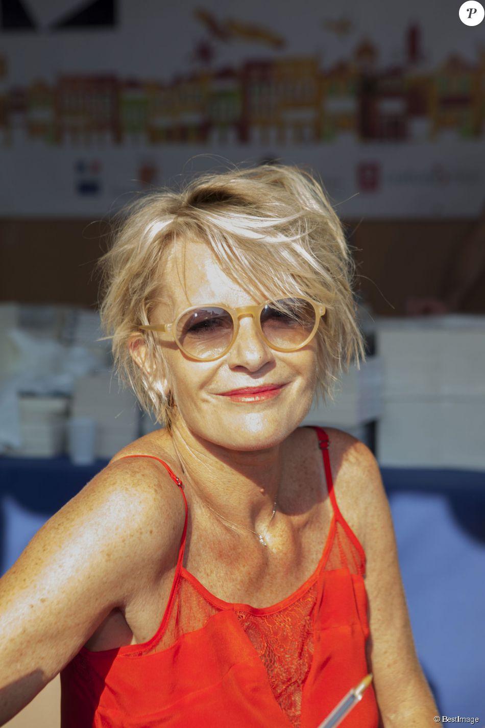 Sophie Davant Nude Photos 3