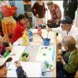 Paul Newman visite un hopital pour enfants malades a Florence en Italie