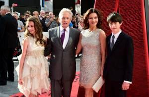 Michael Douglas après la triste nouvelle : Soutenu par sa femme et ses 2 enfants