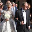 Nicky Hilton et son père Nicky Hilton quittent l'hôtel Claridges à Londres pour aller se marier au palais de Kensington avec James Rotschild le 10 juin 2015
