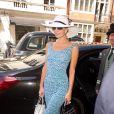 Paris Hilton arrive à l'Hotel Claridge de Londres pour le mariage de sa soeur Nicky le 10 juillet 2015.