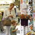 Kelly Rutherford et son fils à Beverly Hills, le 19 mai 2010