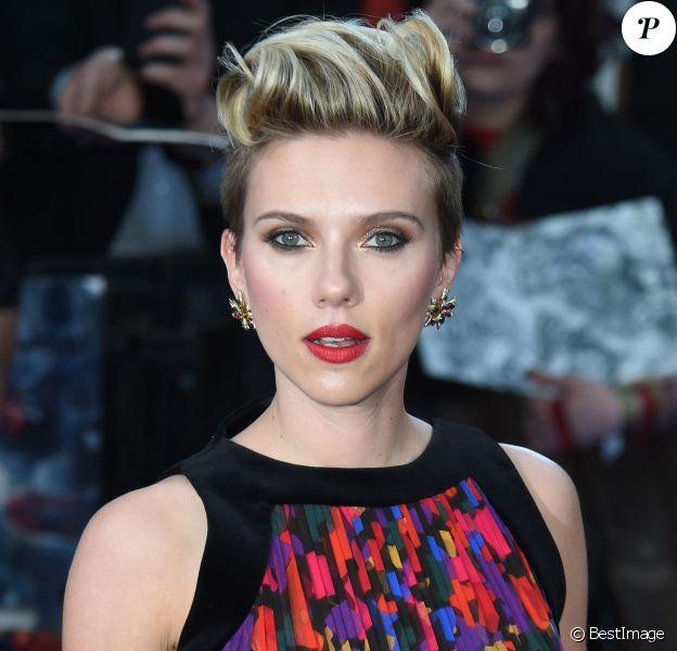"""Scarlett Johansson - Avant-première du film """"The Avengers: Age of Ultron"""" à Londres, le 21 avril 2015."""