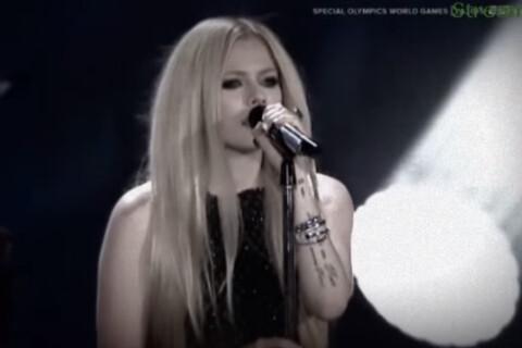 """Avril Lavigne et la maladie: Son grand retour sur scène après avoir """"cru mourir"""""""