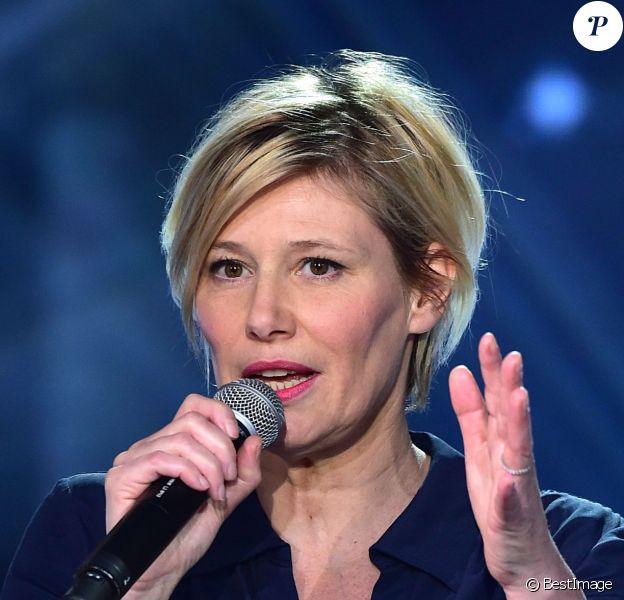 Exclusif - Maïtena Biraben dans La Télé Chante Pour le Sidaction à Paris, le 11 mars 2015.