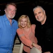 Eddy Mitchell, Jean-Luc Reichmann et leurs femmes réunis par le roi des forains