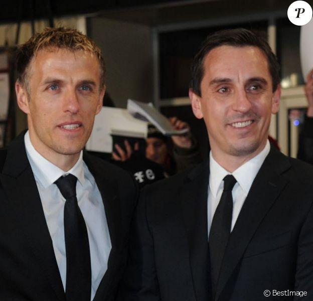 """Phil Neville et Gary Neville - Première du film """"The Class of 92"""" à Londres, le 1er décembre 2013."""