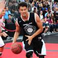 Josh Duhamel sur le terrain du ESPNLA All-Star Celebrity Basketball Game à Los Angeles, le 7 août 2015