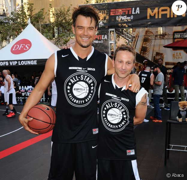Josh Duhamel, Breckin Meyer lors du ESPNLA All-Star Celebrity Basketball Game à Los Angeles, le 7 août 2015