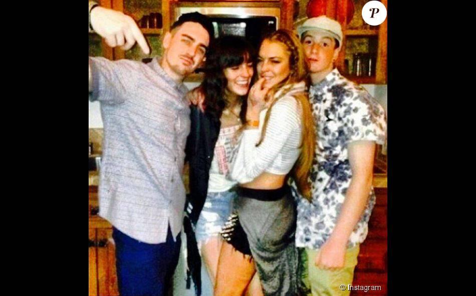 Lindsay Lohan pose avec ses frères et soeurs (Michael, Ali et Cody). Photo postée sur Instagram, le 25 août 2015