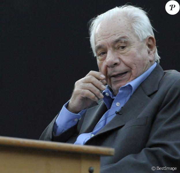 """Michel Galabru - Filage au théâtre Sylvain à Marseille, de la pièce """"Jules et Marcel"""" à Marseille le 17 juin 2013"""