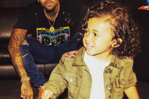 Chris Brown obtient la garde de sa fille Royalty