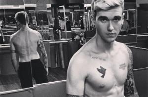 Gabriel-Kane Day-Lewis : Torse nu et tout tatoué, un