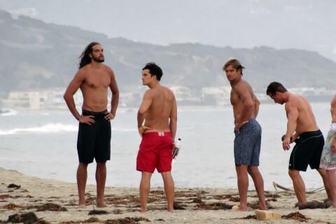 Orlando Bloom vs Joakim Noah  : Duel de torses musclés à Malibu !