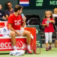 Stan Wawrinka s'entraîne avec sa fille Alexia à Genève le 16 septembre 2015