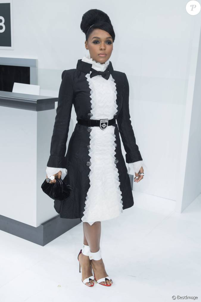 janelle mon 225 e photocall au d 233 fil 233 de mode chanel collection pr 234 t 224 porter printemps 233 t 233 2016