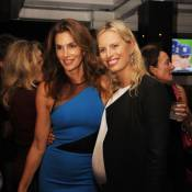 Karolina Kurkova enceinte : Baby-bump de sortie pour soutenir Cindy Crawford