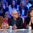 Kev Adams, Michel Blanc et Valérie Lemercier dans Les enfants de la télé sur TF1, le 10 octobre 2015.