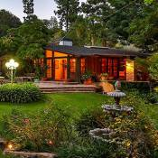 "Nicollette Sheridan : L'ex-star de ""Desperate Housewives"" vend sa maison"