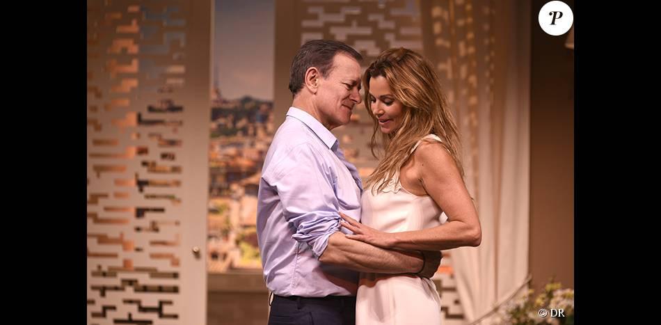 Ingrid Chauvin et Francis Huster sur scène dans la pièce Avanti !