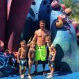 Noah Galloway et ses trois enfants à Disneyland / photo postée sur Instagram.