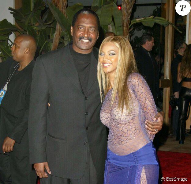 Beyoncé Knowles et son père Mathew à la soirée Sony Music Grammy Party à Hollywoood, le 28 février 2002