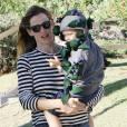 Jennifer Garner et son fils Samuel Affleck déguisés pour Halloween dans les rues de Brentwood, Los Angeles, le 30 octobre 2015