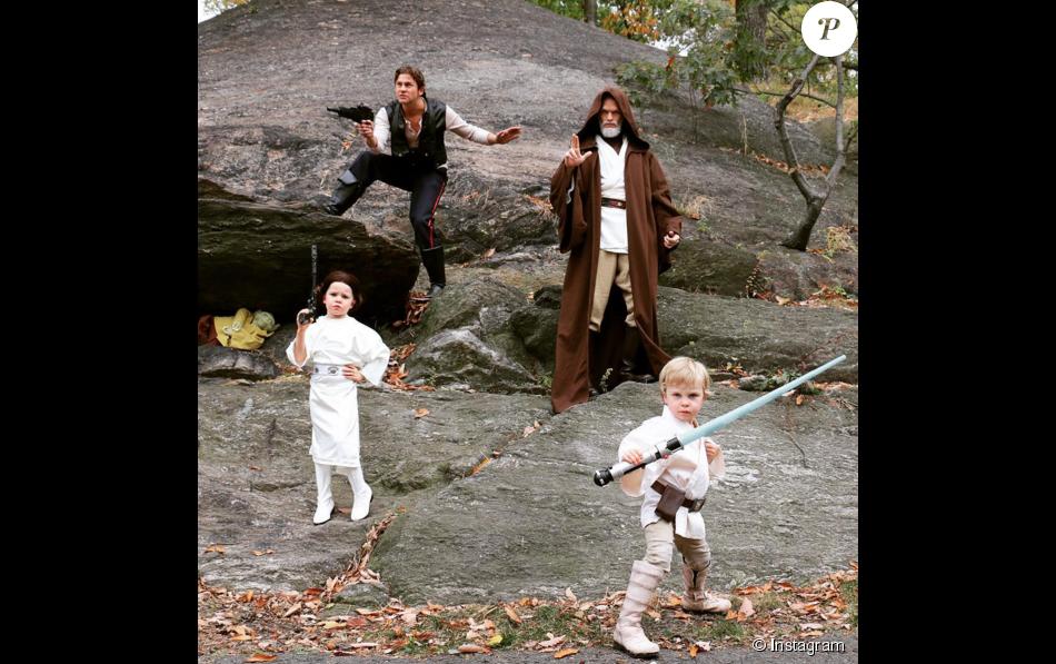 Neil patrick harris f te halloween 2015 en famille - Halloween en famille ...