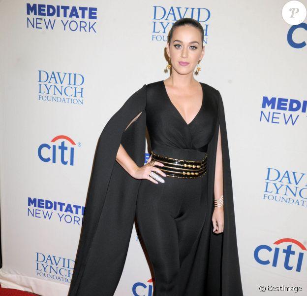 """Katy Perry, sublime lors de la soirée """"The Change Begins Within"""" au Carnegie Hall de New York, le 4 novembre 2015"""