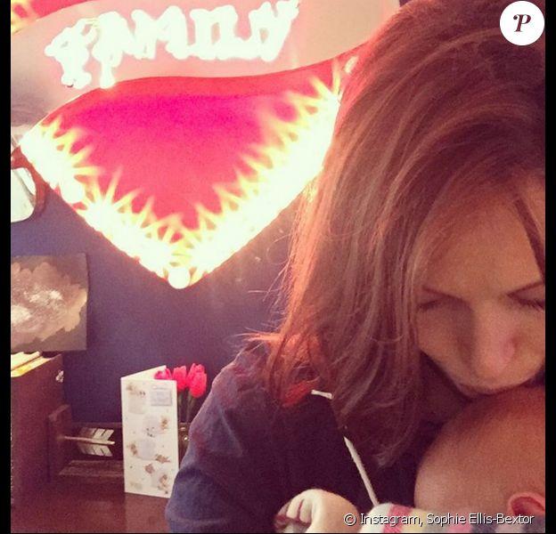 Sophie Ellis-Bextor et son petit Jesse - Photo publiée le 7 novembre 2015