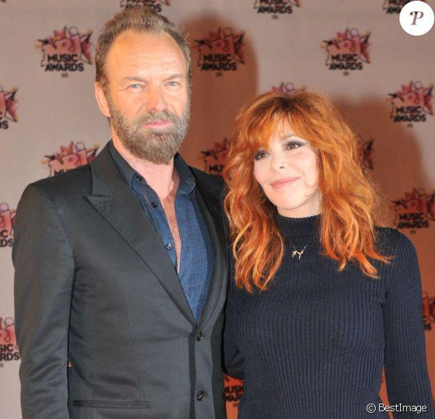 Sting et Mylène Farmer à la 17ème cérémonie des NRJ Music Awards 2015 au Palais des Festivals à Cannes, le 7 novembre 2015.
