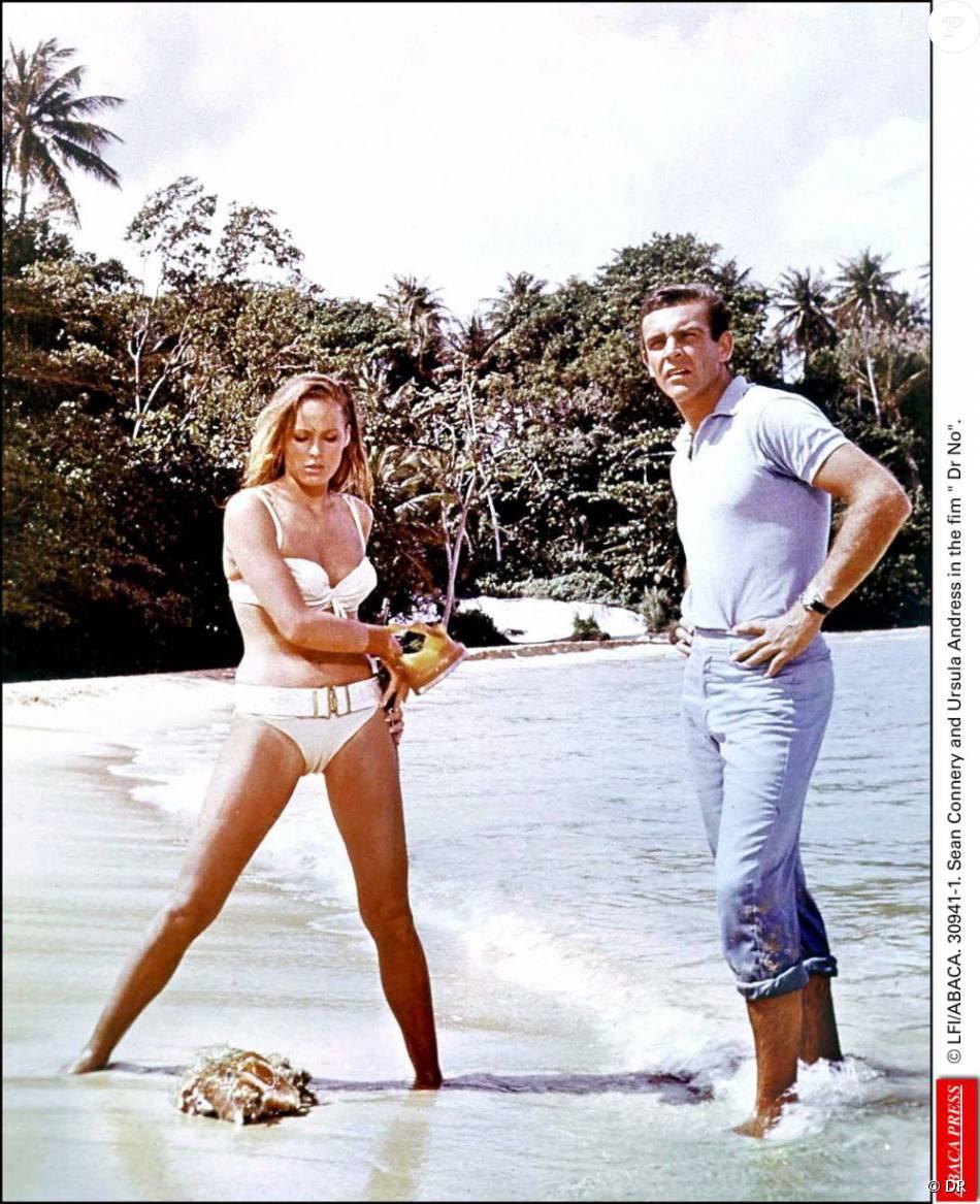 Sean Connery et Ursula Andress dans James Bond contre le Dr. No