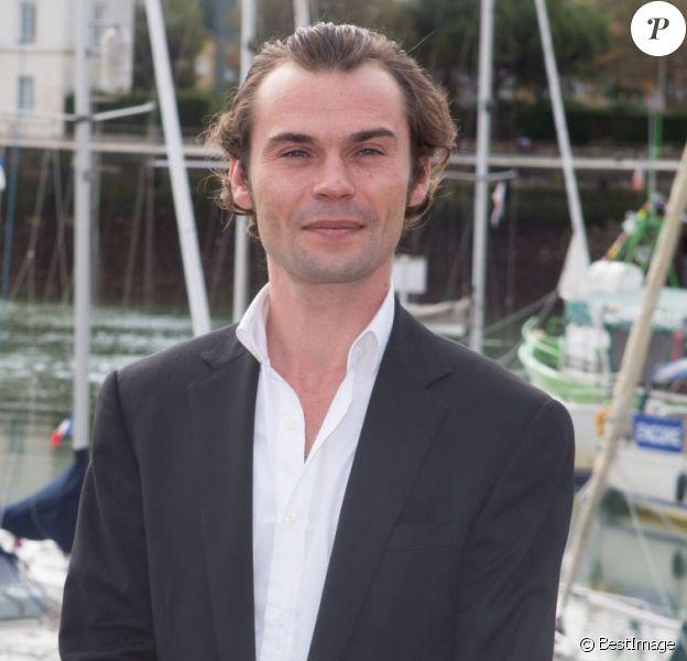"""Robinson Stévenin - Photocall de """"9 jours en hiver"""" dans le cadre du 17e festival de fiction TV de La Rochelle sur le Vieux Port à La Rochelle le 12 septembre 2015"""